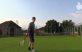 Теннис в деревне во время пандемии