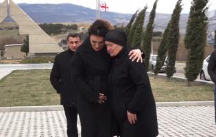 На кладбище Мухатгверди почтили память Арчила Татунашвили