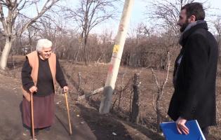 Студенты проводят исследование в селах, расположенных близ разделительной линии